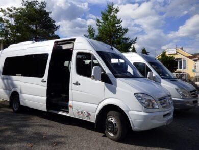 Наш микроавтобус на экскурсии Гранд Каньоны, Черногория